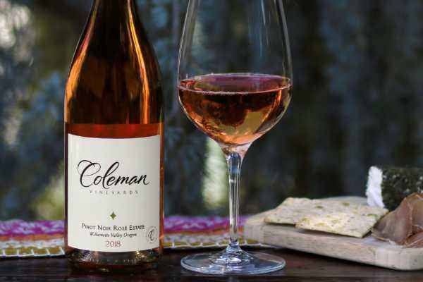 2018 Pinot Noir Estate Rose bottleshot