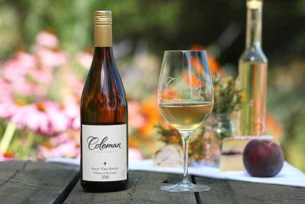 Pinot Gris Estate bottleshot